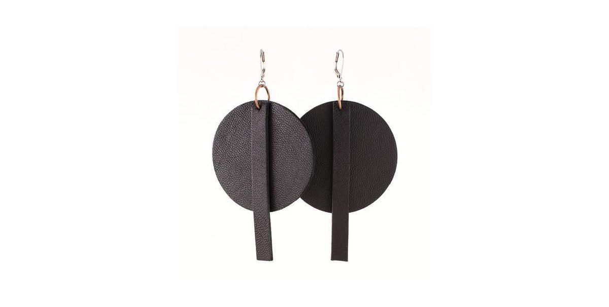 Boucles d'oreilles Anne-Marie Chagnon, 92 $, Signé Local